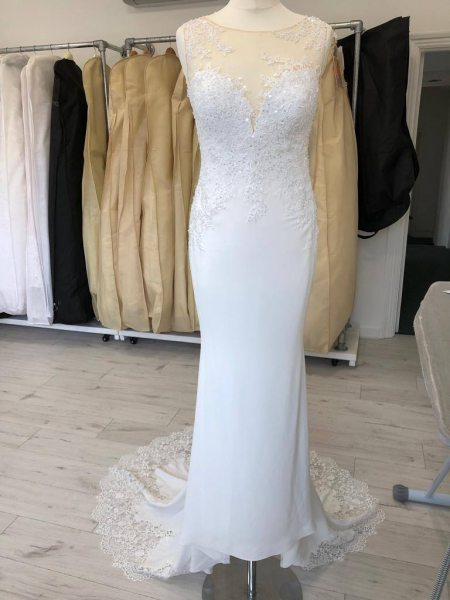 Fish-tail wedding dress